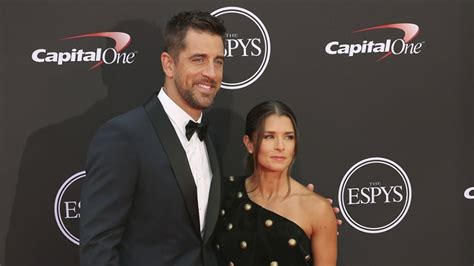 Aaron Rodgers Bio - married, affair, net worth, spouse