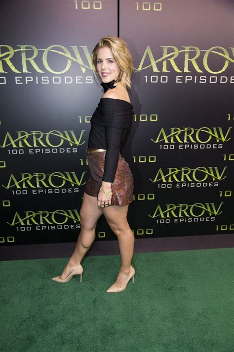 """11 Things You Didn't Know About """"Arrow"""" Star Emily Bett"""
