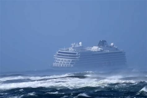 Viking Sky Engine Failure Caused by Low Oil Level   Crew