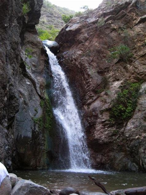 Eaton Canyon Natural Area Park and Nature Center - Hiking