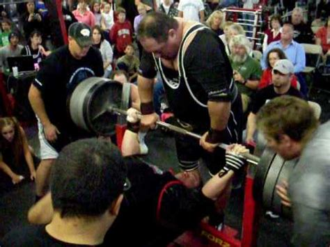 Ryan Kennelly All time 308 best bench 1075 lbs - YouTube