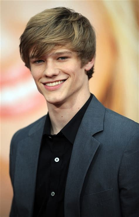 Lucas Till Age, Weight, Height, Measurements - Celebrity Sizes