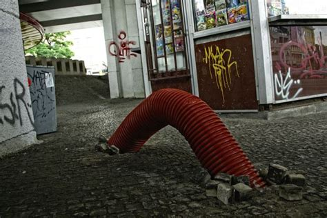 The Mongolian Death Worm in Prague (8 pics)