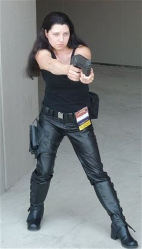 """Officer Aeryn Sun from """"Farscape"""" (1999) Can I be her"""