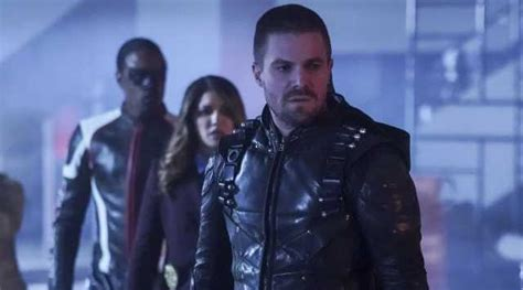 ARROW: Oliver Queen Joins The SCPD In The New Promo For