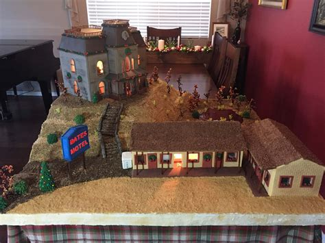 The Bates Motel and House Get Immortalized in Gingerbread